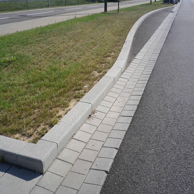 Bordures angles bordures de trottoir les mat riaux for Angle saillant carrelage