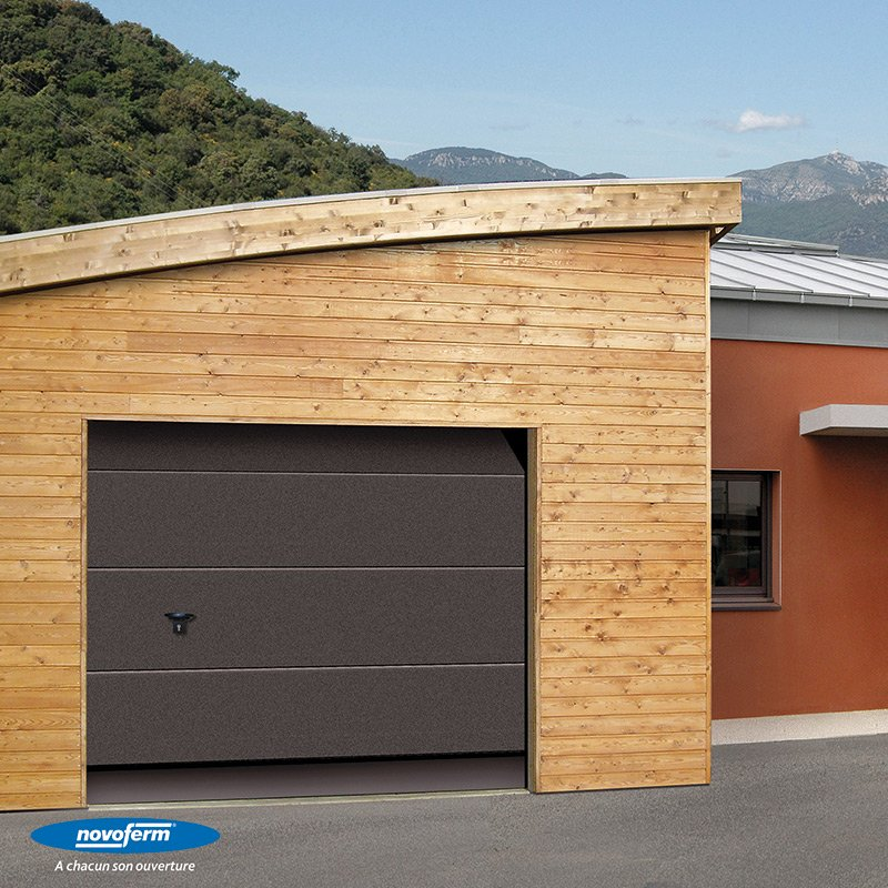 Porte sectionelle ma va les mat riaux for Porte de garage sectionnelle 220 x 200