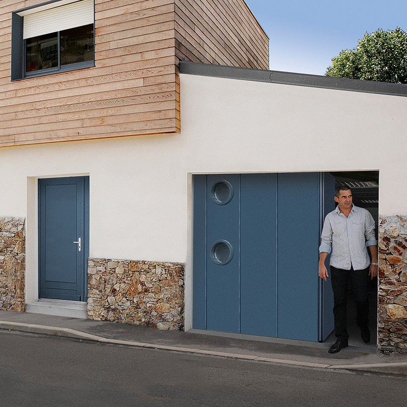 Porte laterale novoside portes de garage menuiserie for Porte de garage novoside