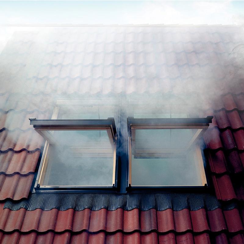 fen tre de toit exutoire de d senfumage velux madicob. Black Bedroom Furniture Sets. Home Design Ideas