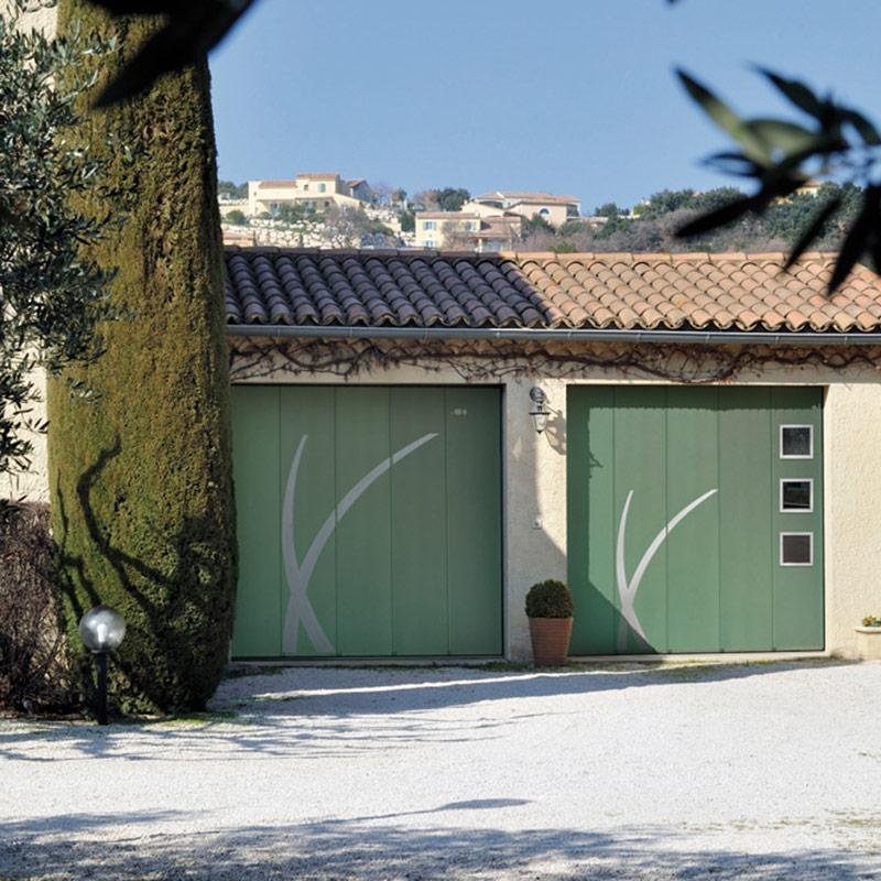 porte de garage laterale portes de garage les mat riaux. Black Bedroom Furniture Sets. Home Design Ideas