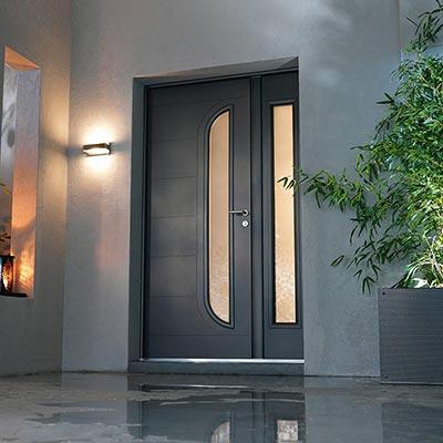 porte d 39 entr e en pvc bois ou alu les mat riaux portes d 39 entr e. Black Bedroom Furniture Sets. Home Design Ideas
