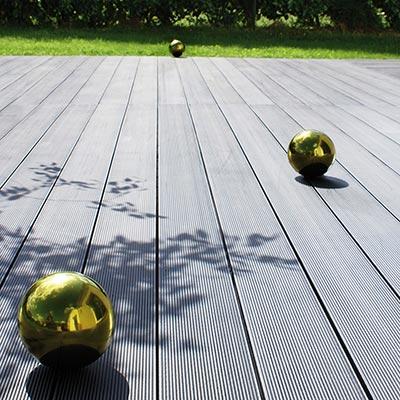 Lames de terrasse pinuform les mat riaux - Lame pvc exterieur terrasse ...