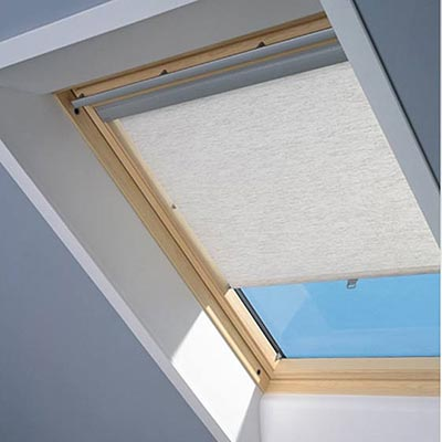 Store rideau Rhl Velux