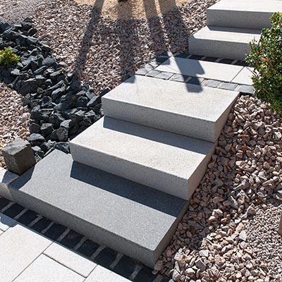 Escalier ext rieur et blocs marches les mat riaux - Marche bois exterieur ...